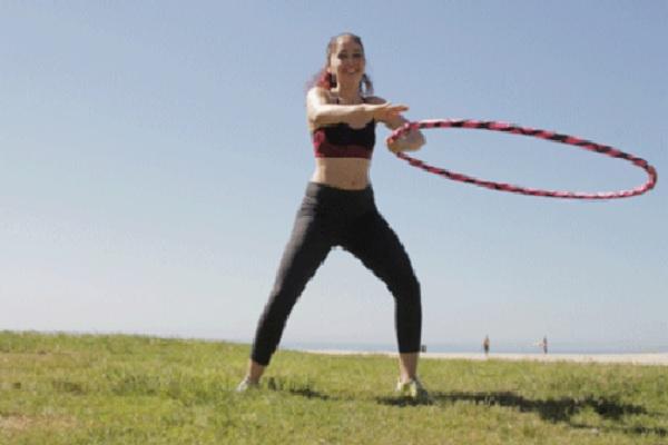lắc vòng có giảm mỡ bụng được không, lắc vòng có giảm mỡ bụng không, lắc vòng có giảm mỡ bụng