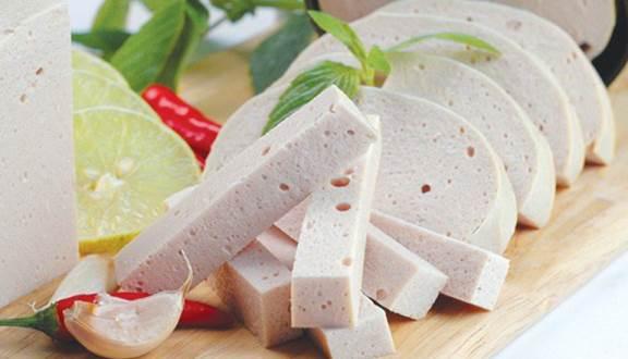 Ăn giò chả có béo không? | Chuyên gia dinh dưỡng nói gì về món ăn truyền thống của người Việt Nam
